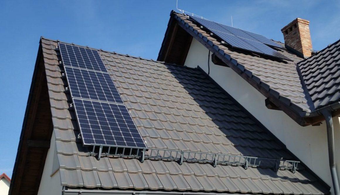Instalacja fotowoltaiczna o mocy 6,2kWp z panelami monokrystalicznymi Longi o mocy 310W każdy.